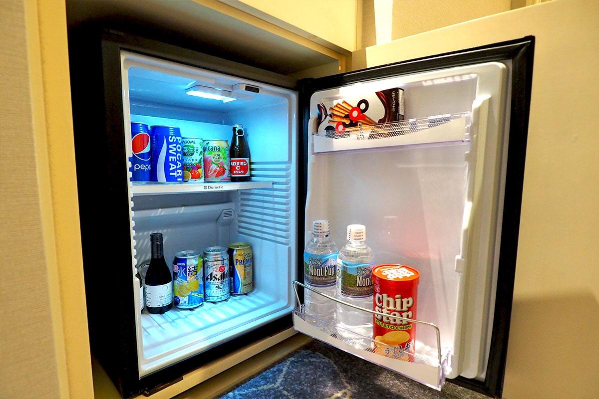 客室冷蔵庫の中身
