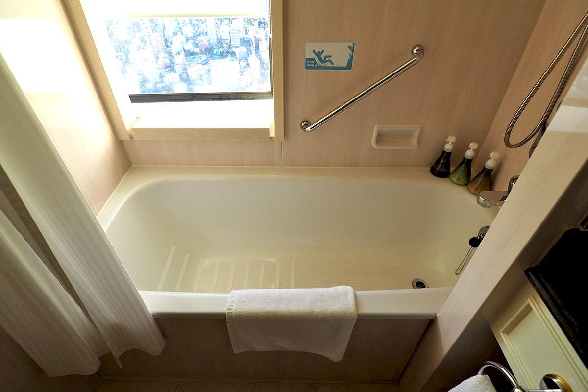 名古屋マリオットアソシアホテル 客室のバスタブ