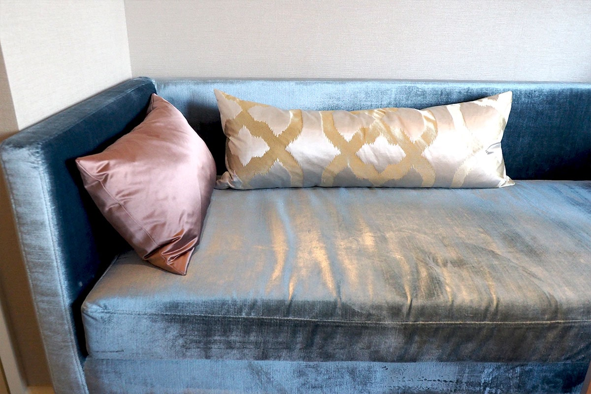 名古屋マリオットアソシアホテル 客室のソファ