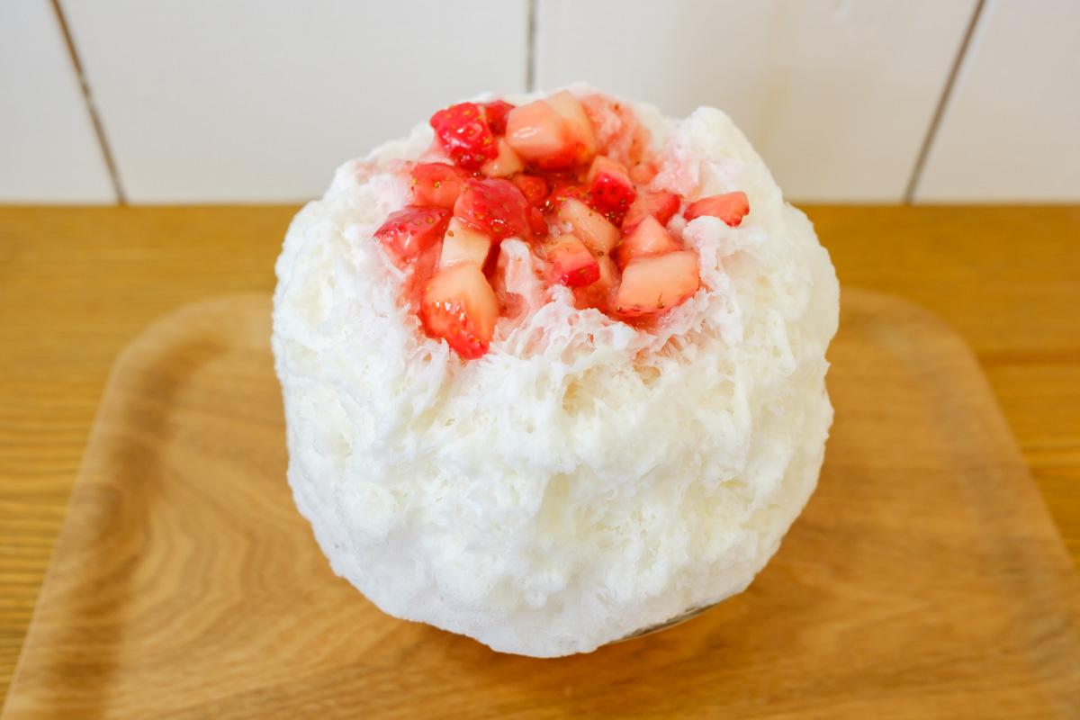 uminagomiのかき氷「いちごヨーグルトミルク」