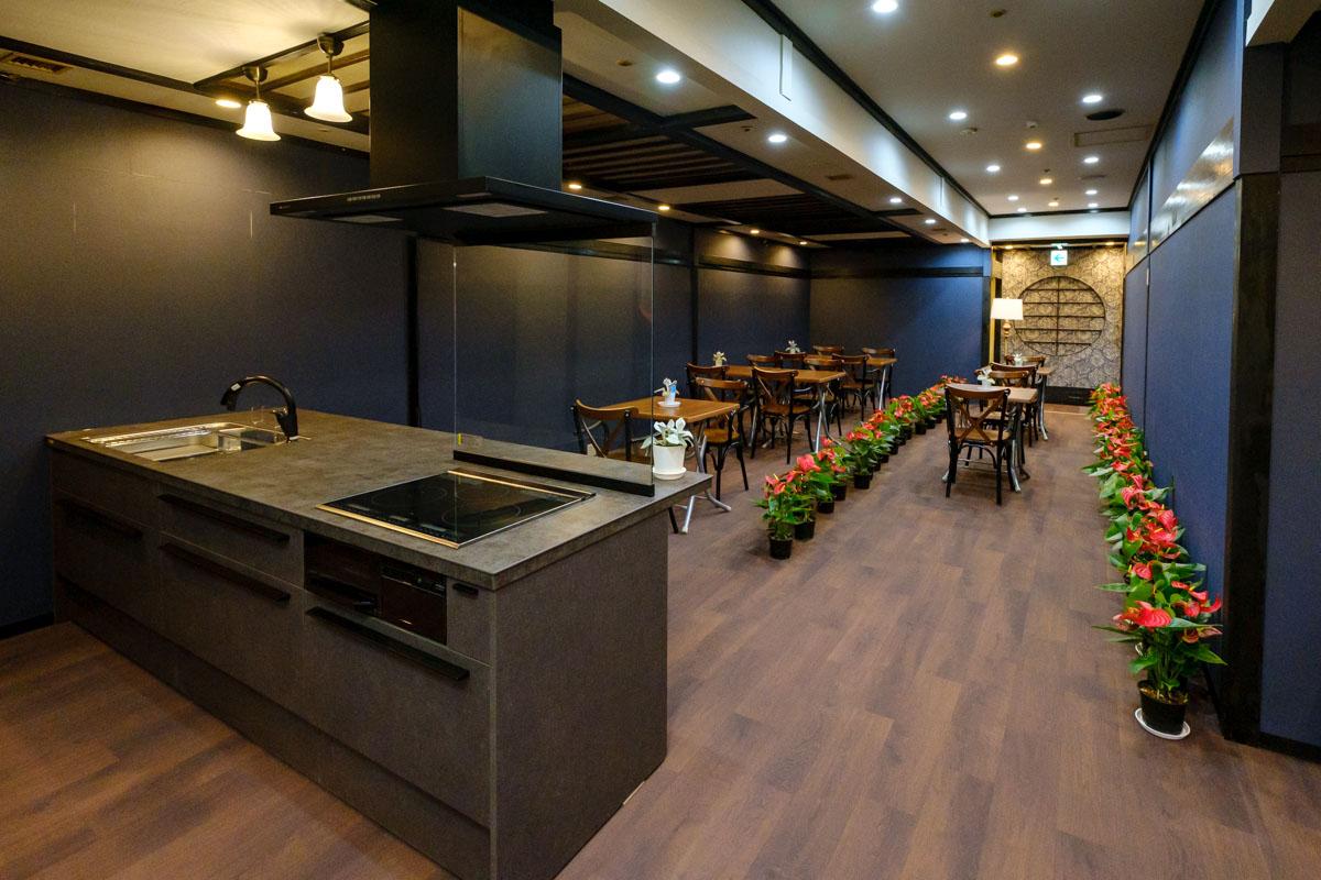 キッチンとイベントスペース